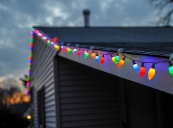 Holiday Outdoor Light-Hanging Tips